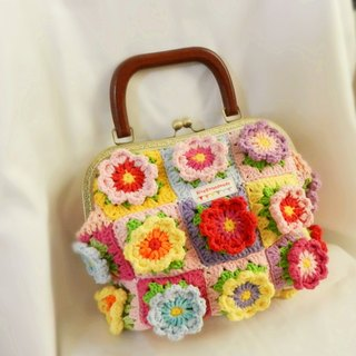 Independent Independent Original Series · crocheted perspective crochet stitching Sen Department handbag