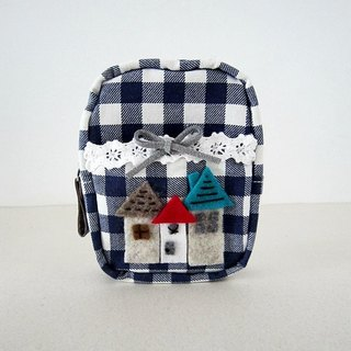 Cottage Plaid zipper bag