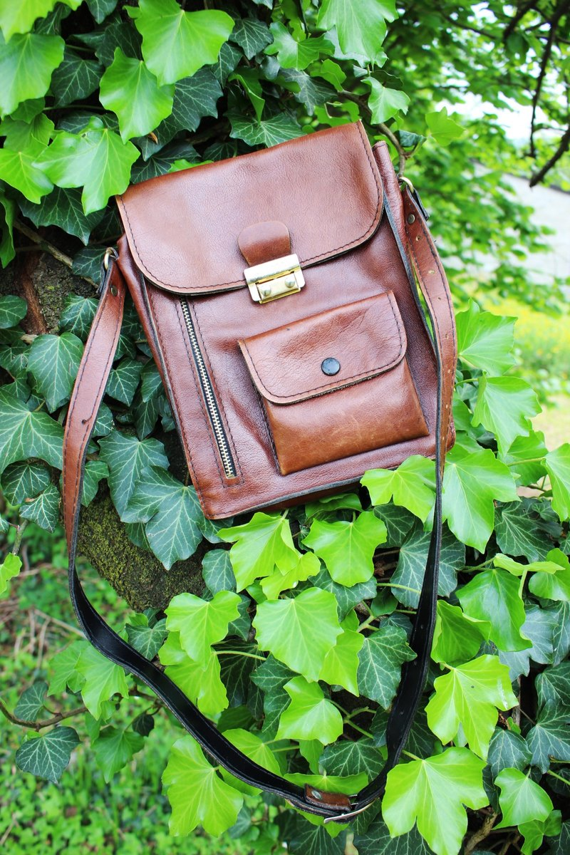 F892 Italian system (Vintage) brown genuine leather shoulder bag / shoulder bag