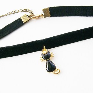 ฺBlack velvet choker/necklace with kitten charm