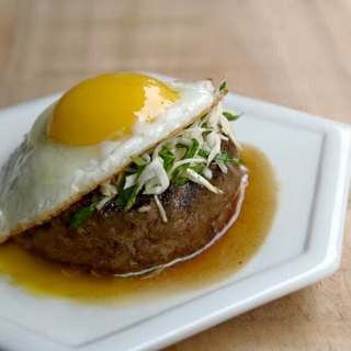 [Hand-made thick cut hamburger steak - comprehensive taste] two flavors a total of 3 into