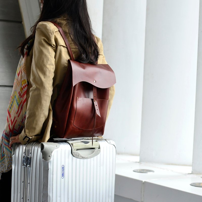 【CC's idol burden】 leather backpack red brown leather travel abroad to adjust the length to find the freedom M