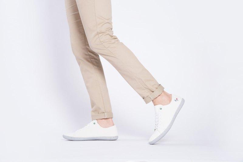 寶特瓶製休閒鞋  Lazy 經典版型    簡約白    男生款