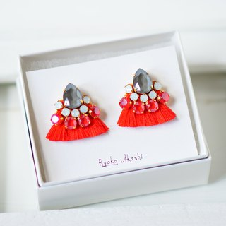 Silk and Swarovski post earrings/clip‐on サルビア