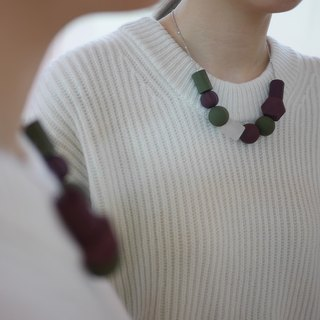 Marshmallow Necklace - RED JUNGLE