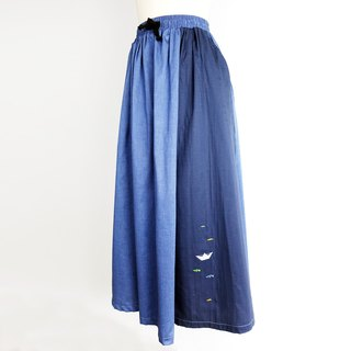 Urb. Small paper boat / pocket stitching / maxi skirt