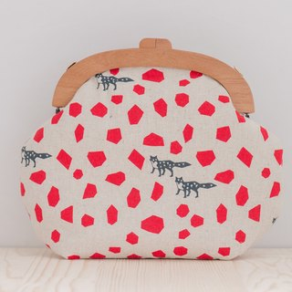 Little prince's fox (shredded red) / wooden mouth kun / retro oblique backpack / carry bag (large)