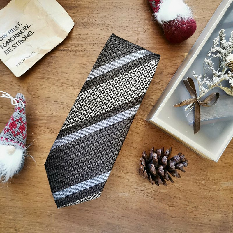 Necktie Wide Stripe in Mocha Brown with Vanilla Beige | 8cm