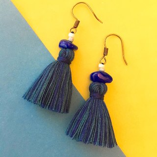 Ultramarine blue x turkey blue small stone tassel earrings ear hook / ear clip