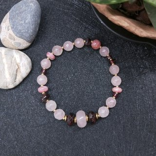 [The only product] pink crystal*red stone*red garnet bracelet Valentine's Day / Christmas gift