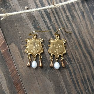 Fleur-de-Lis Earrings with Pearls