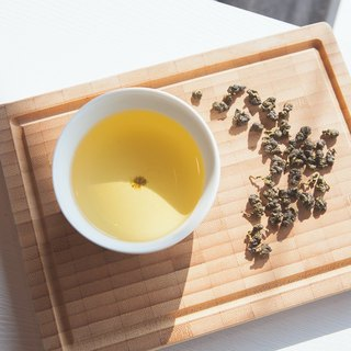 [Alpine Golden Dragonfly] Taiwanese mountain oolong. 100g bottle