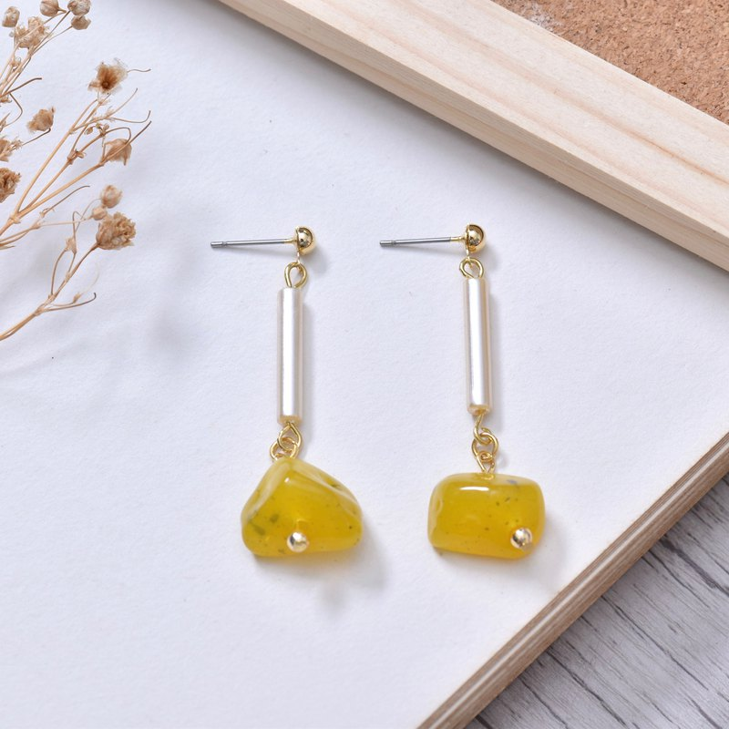 Honey amber earrings ear clip / ear clip handmade creative hand-made