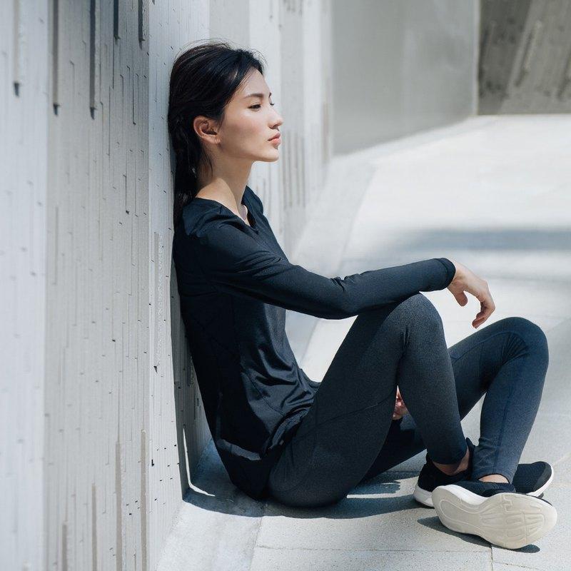【MACACA】fit柔韌長袖訓練衣 - BRT3351 黑