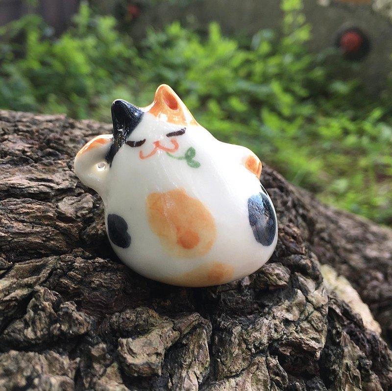 手作動物陶瓷偶-懶躺貓咪