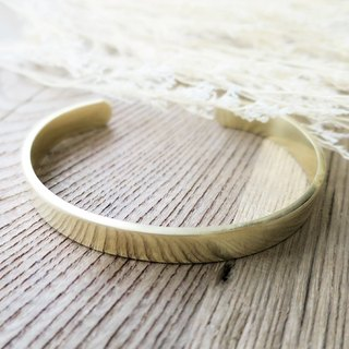 ♦ ViiArt ♦ -L ♦ simple plain brass bracelet