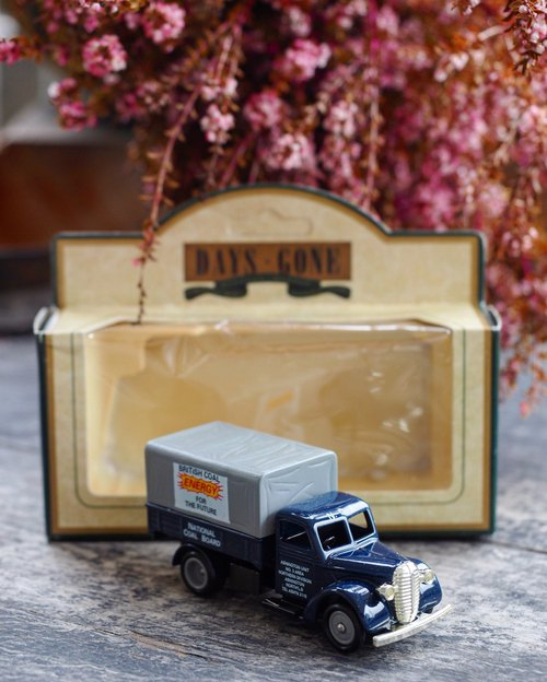 British dark blue 1930s color canvas pickup truck with original box J