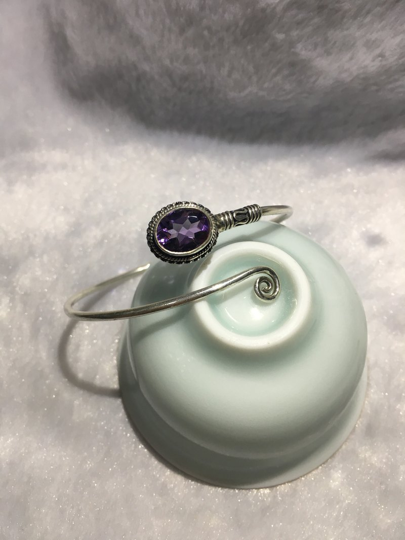 Amethyst bangle Handmade in Nepal 92.5% Silver