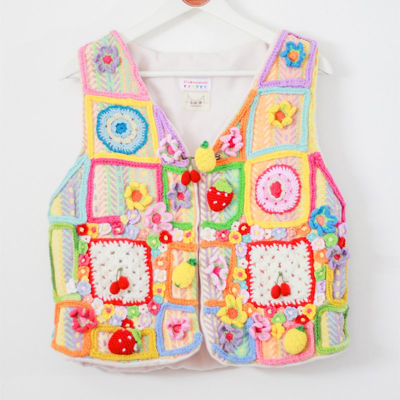 (Christmas New Year gift exchange) independent original hand-made three-dimensional crocheted Rainbow girls vest