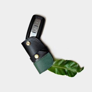 [The last train of the jungle] Italian vegetable tanned leather car key case car key set VICTOR brand black green leather stitching Valentine's Day gift guest carved letter when the gift