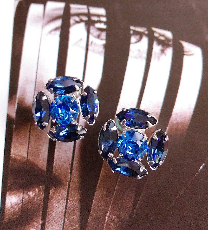 馬眼 深藍 萊茵 栓式耳環。西洋古董飾品