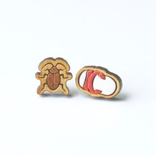 Painted wood earrings-Cockroach & Slippers (red)