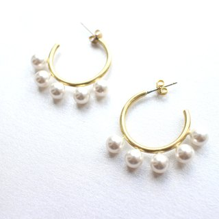 Grace-Brass pearl earrings