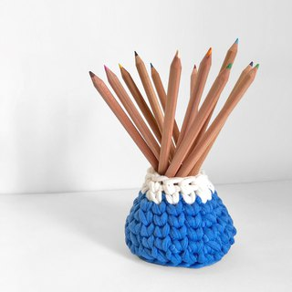 Crochet _ Fuji Mountain Pen Holder