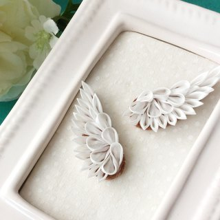 Little Wing stud earrings