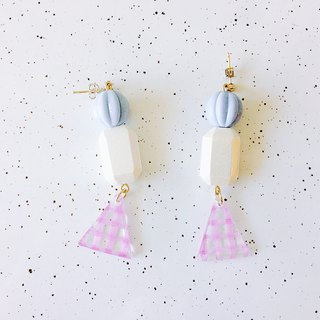 Summer Travel Series - Picnic at the Beach Hand-painted Cute Handmade Earrings Ear/Ear clip