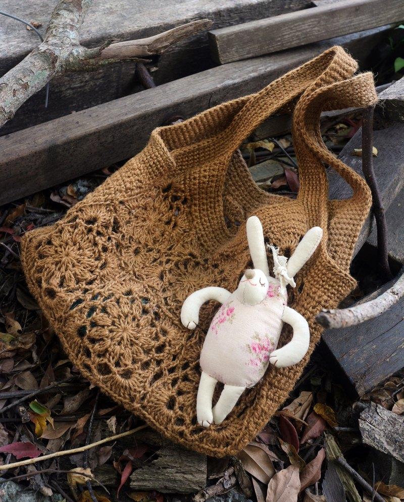 手作-如窗花般美麗的手編織包-溫暖手編織麻繩包