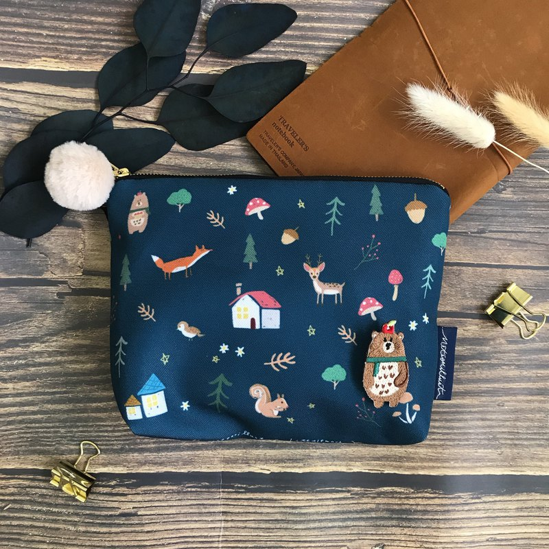 Forest animals | illustration waterproof cosmetic bag | pencil case | sundries bag | attached animal small badge
