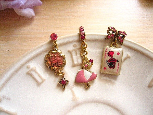 [Jolie baby] Alice Colorful Series - Alice and the Cheshire Cat Eat Me earrings set