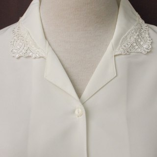 Vintage Japanese Elegant Lace Flower Embroidered Lapel White Long Sleeve Vintage Shirt