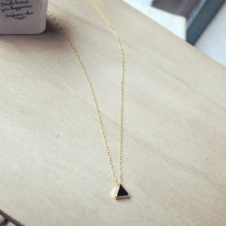 K14FG simple triangle necklace beans