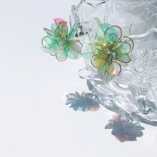 <Hydrangea. Green> Modeling handmade resin earrings / pendant / earring / accessories
