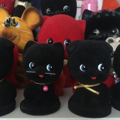 Cute Japanese 60s vintage Black Cat and Black Dog