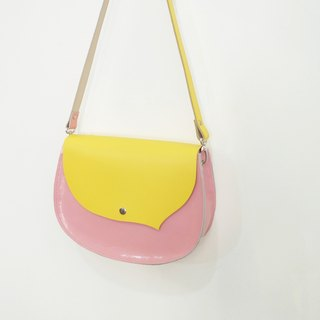 Small breeze to the right to play leather + sheepskin side of the back saddle bag can be ordered oblique strap only a bright yellow + sweet powder