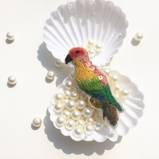 Parrot embroidery brooch