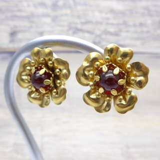 Brass and glass, Flower Earrings, Deep red, Vintage, Antique