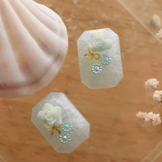 Cute & Beauty Adorable Pale Pastel Blue Gem Resin with Rose Stud Earrings