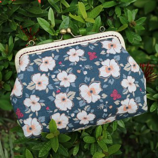 Matt Hibiscus flower 18cm Cross Body Bag M Size | Girlskioku~*