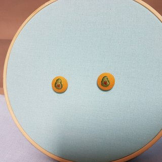 Hand embroidery botton earrings