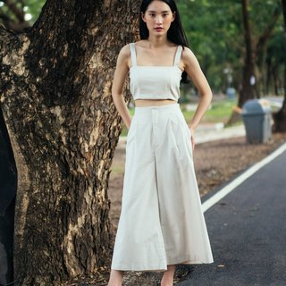 IVORY WIDE CROP PANTS WITH BACK SHIRRING