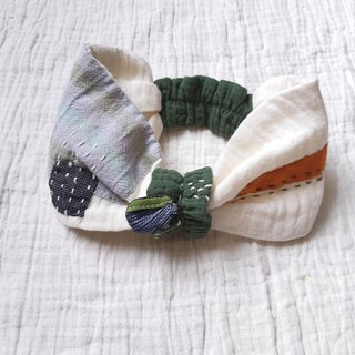 Soft patchwork headband for baby - beige