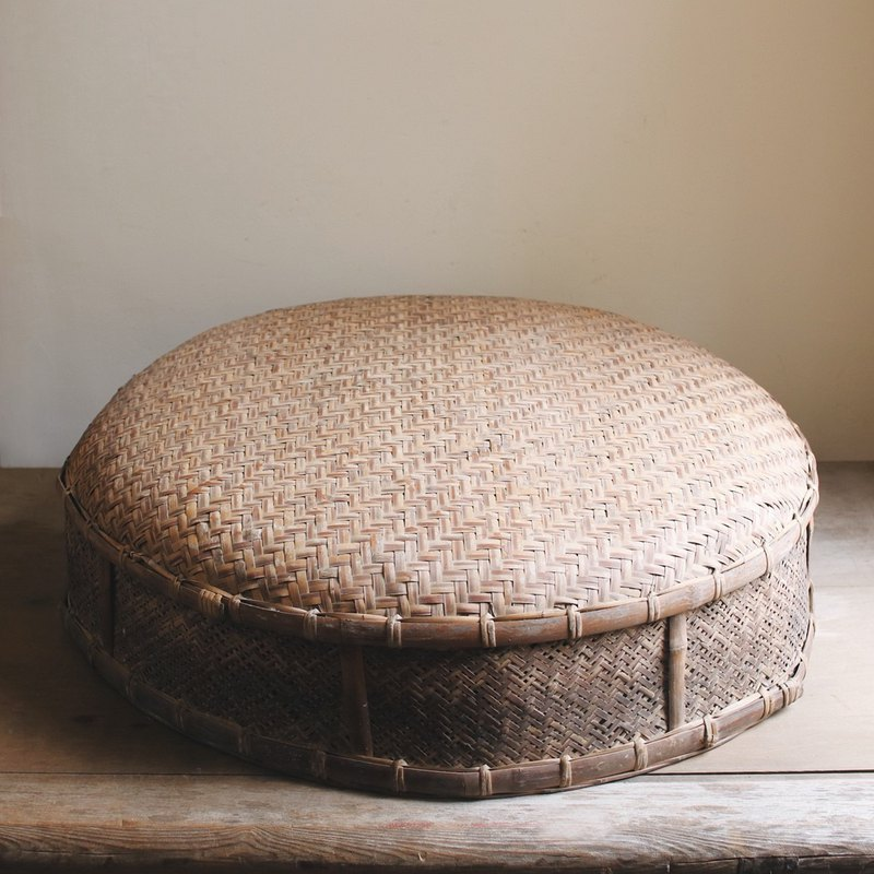 Early bamboo table cover _A