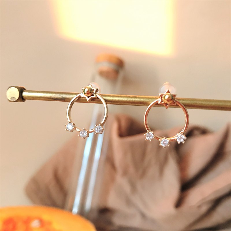 ALYSSA & JAMES  後掛式六角星鋯石耳環