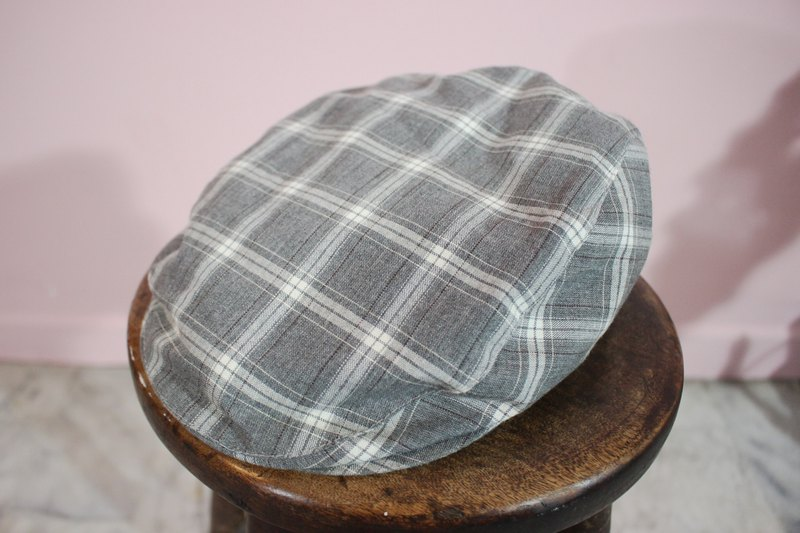 Vintage Hat (Made in Italy) Flat Cap Gray White Plaid (Made in Italy)