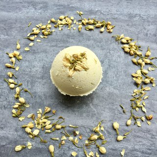 Gold Jasmine Bath Bomb / Bath / Essential Oil Bath / Maintenance Skin / Jasmine / Woman's Favorite