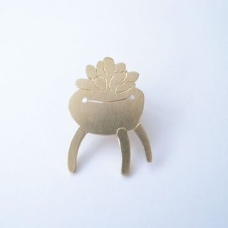 Succulents 1 brass brooch